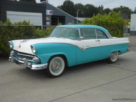 Ford Fairlaine victoria coupe 1955