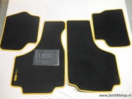 Mattenset 4 delig geel  opdruk Fiat 500